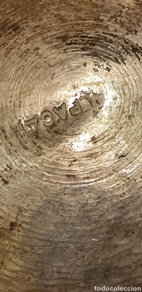 Antigüedades: Bonito cenicero antiguo de alpaca tallado a mano - Foto 3 - 194255037