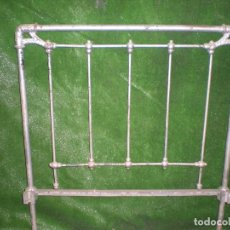 Antigüedades: CABECERO DE CAMA CON PIE METALICO ,ANCHO 93CM X 105CM ALTURA. Lote 194262382