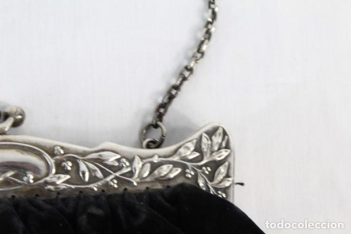 Antigüedades: Bolso de velvet con preciosa boquilla Art Nouveau, baño o laminado de plata. Fines s XIX a pps s XX - Foto 2 - 194270376