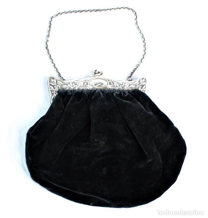 Antigüedades: Bolso de velvet con preciosa boquilla Art Nouveau, baño o laminado de plata. Fines s XIX a pps s XX - Foto 4 - 194270376