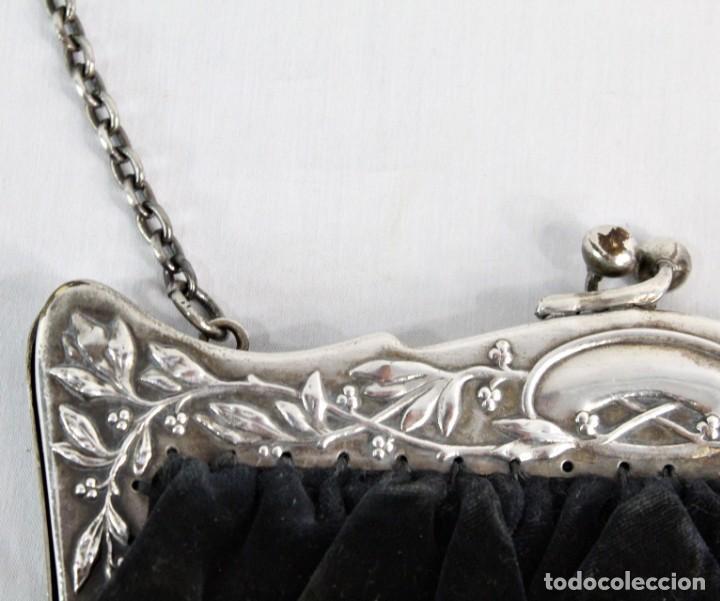 Antigüedades: Bolso de velvet con preciosa boquilla Art Nouveau, baño o laminado de plata. Fines s XIX a pps s XX - Foto 6 - 194270376