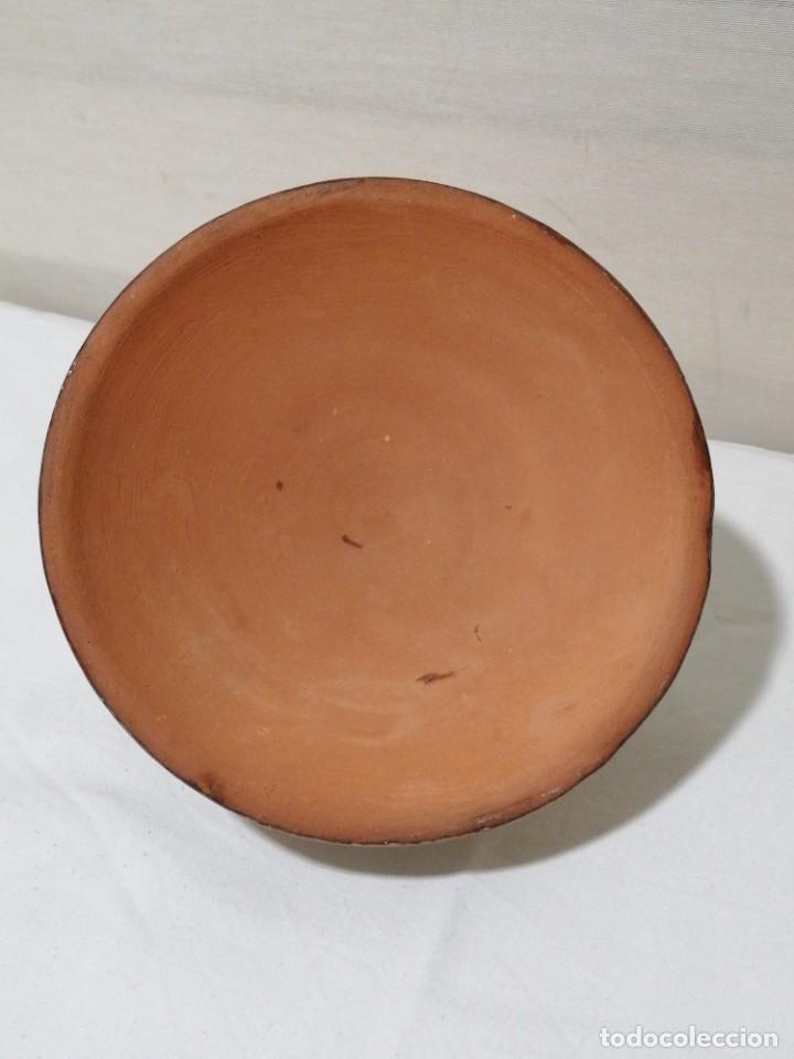 Antigüedades: Antigua Palmatoria con marcaje en barro esmaltado - Foto 7 - 194278665