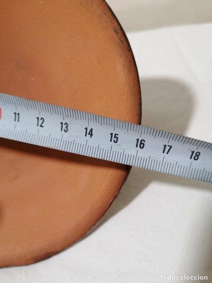 Antigüedades: Antigua Palmatoria con marcaje en barro esmaltado - Foto 8 - 194278665