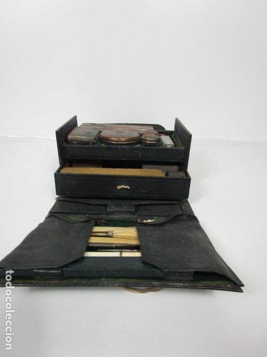 Antigüedades: Neceser de Viaje - Militar - Empuñaduras en Hueso - con Tintero, Navajas Afeitar, etc - S. XIX - Foto 28 - 194281241