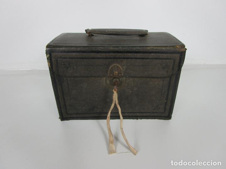 Antigüedades: Neceser de Viaje - Militar - Empuñaduras en Hueso - con Tintero, Navajas Afeitar, etc - S. XIX - Foto 53 - 194281241