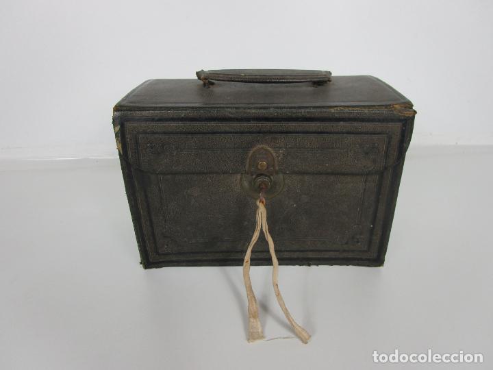 Antigüedades: Neceser de Viaje - Militar - Empuñaduras en Hueso - con Tintero, Navajas Afeitar, etc - S. XIX - Foto 57 - 194281241