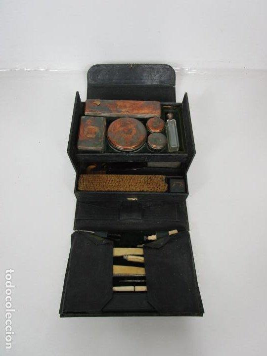 NECESER DE VIAJE - MILITAR - EMPUÑADURAS EN HUESO - CON TINTERO, NAVAJAS AFEITAR, ETC - S. XIX (Antigüedades - Moda y Complementos - Hombre)