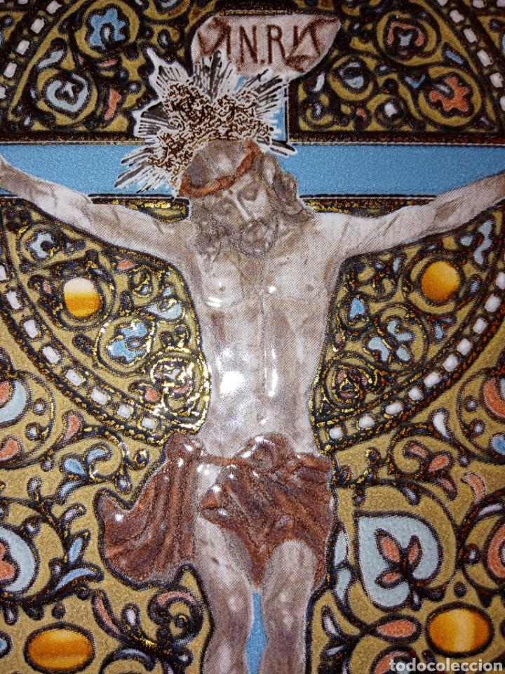 Antigüedades: PLACA DE AZULEJO - CRISTO VENERABLE - CUARTO CENTENARIO - ALCORA - RELIEVES Y ESMALTES- IMPRESIONAN - Foto 3 - 194291932