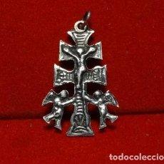 Antigüedades: CRUZ CARAVACA DOBLE, PLATA SIGLO XIX. Lote 194293235