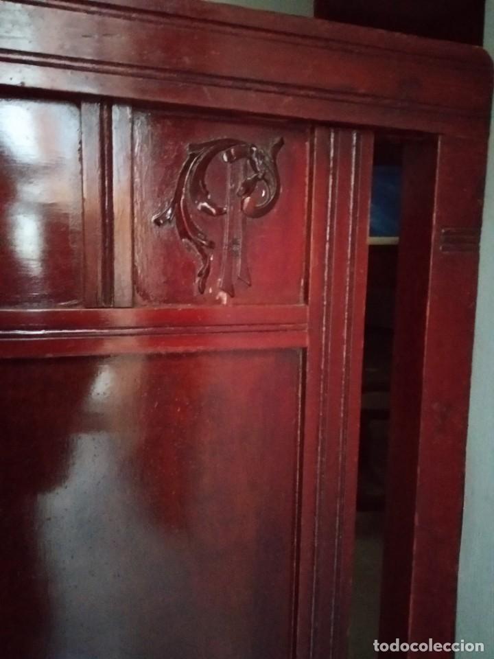 Antigüedades: Cama antigua con iniciales doradas - Foto 2 - 194295675