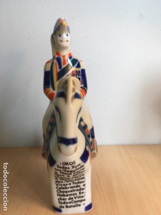 Antigüedades: Figura de Porcelana de Sargadelos - General del Ulla - buen tamaño- - Foto 3 - 194298326