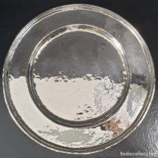 Antigüedades: BANDEJA PLATO EN PLATA LEY. Lote 194302167