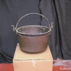 Antigüedades: ANTIGUO CALDERO DE COBRE 37 CMS DIAMETRO X 24 ALTO SIN CONTAR EL ASA, BUEN ESTADO. Lote 194303997