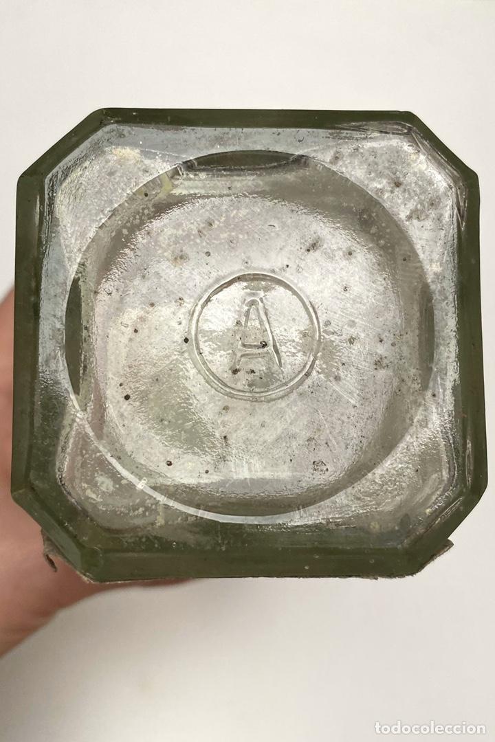 Antigüedades: Antigua Botella de Agua de Sungora. Vigorizador de cabello. - Foto 3 - 194305140