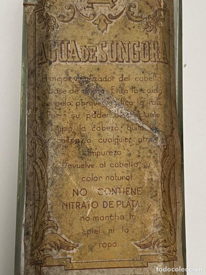 Antigüedades: Antigua Botella de Agua de Sungora. Vigorizador de cabello. - Foto 4 - 194305140
