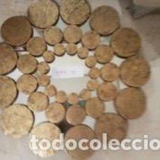 Antigüedades: ESPEJO CIRCULAR MONEDAS DORADO. Lote 194312250