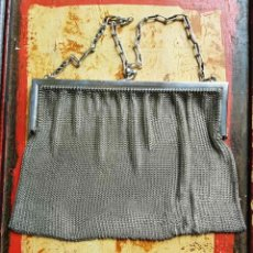 Antigüedades: BOLSO METALICO, DE MALLA, PRINCIPIOS S XX, 17CM X 15 CM, 280 GRAMOS. Lote 194313801