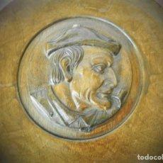 Antigüedades: PLATOS ANTIGUOS TALLADOS EN MADERA VASCOS AÑOS 40/50 PAIS VASCO AMONA AITONA. Lote 194317856
