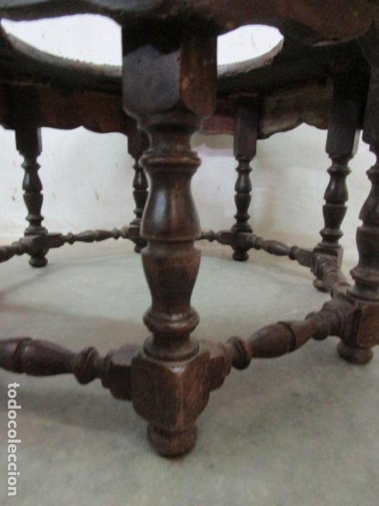 Antigüedades: Antigua Mesa de Centro - Mesa Brasero, con Pala - Madera con Tachuelas - Patas Torneadas - Foto 21 - 194320287