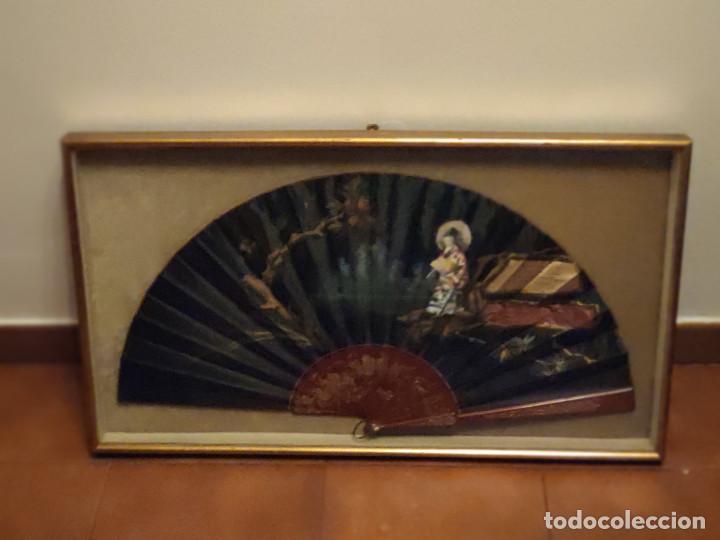 Antigüedades: Abaniquera con abanico (Pericón). Lleva escrito un poema piropo. - Foto 9 - 103872951