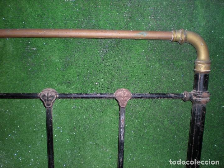 Antigüedades: CABECERO DE CAMA EN METAL ,ANCHO 103CM X 140CM ALTURA - Foto 3 - 194327482