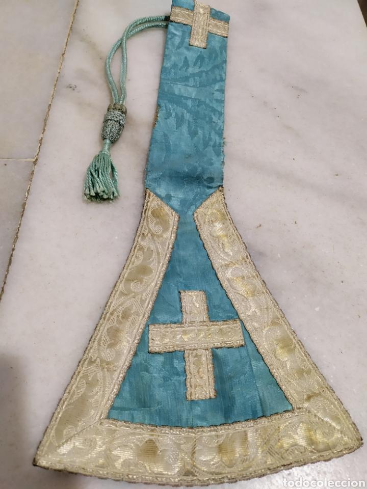 ANTIGUA ESTOLA RECORTADA DE CAPELLAN EN PLATA CON MANGUITOS AÑOS 40 (Antigüedades - Religiosas - Ornamentos Antiguos)