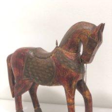 Antigüedades: CABALLO ÁRABE DE MADERA AÑOS 50 (1.950-1.960). Lote 194334810