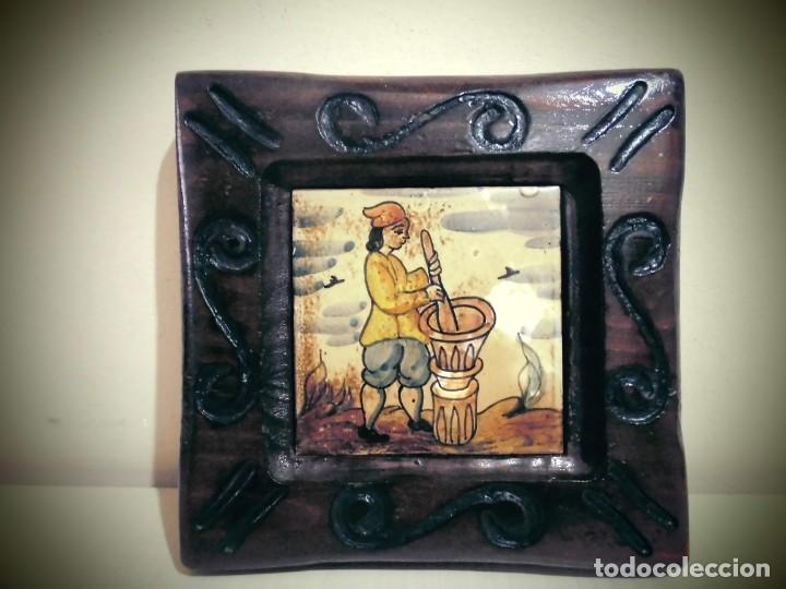 CUADRO DE CERAMICA PINTADO -MIDE LA CERAMICA 11X11- CON ELMARCO 20X20- (Antigüedades - Porcelanas y Cerámicas - Catalana)
