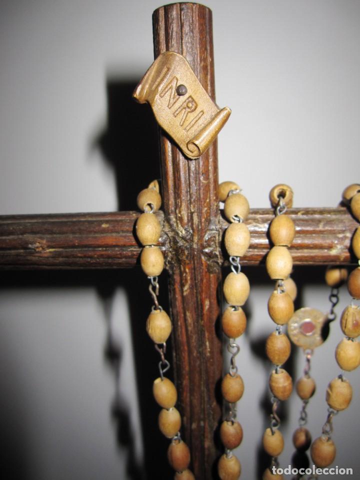 Antigüedades: Cruz peana madera antiguo rosario Jerusalem reliquia relicario Tierra Santa - Foto 3 - 194338038