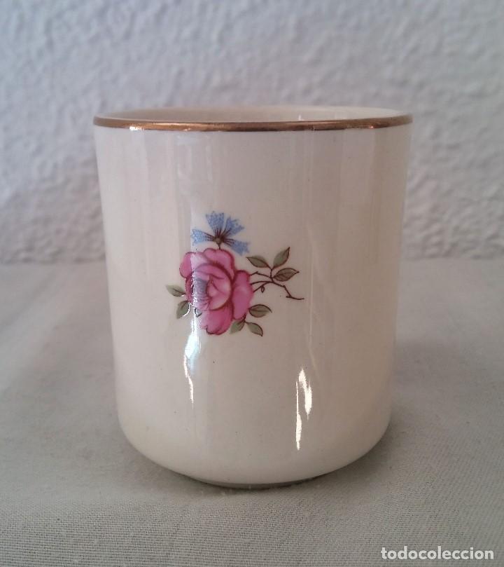 Antigüedades: Taza porcelana obsequio del Banco Español de Credito Banesto - Foto 2 - 194338053