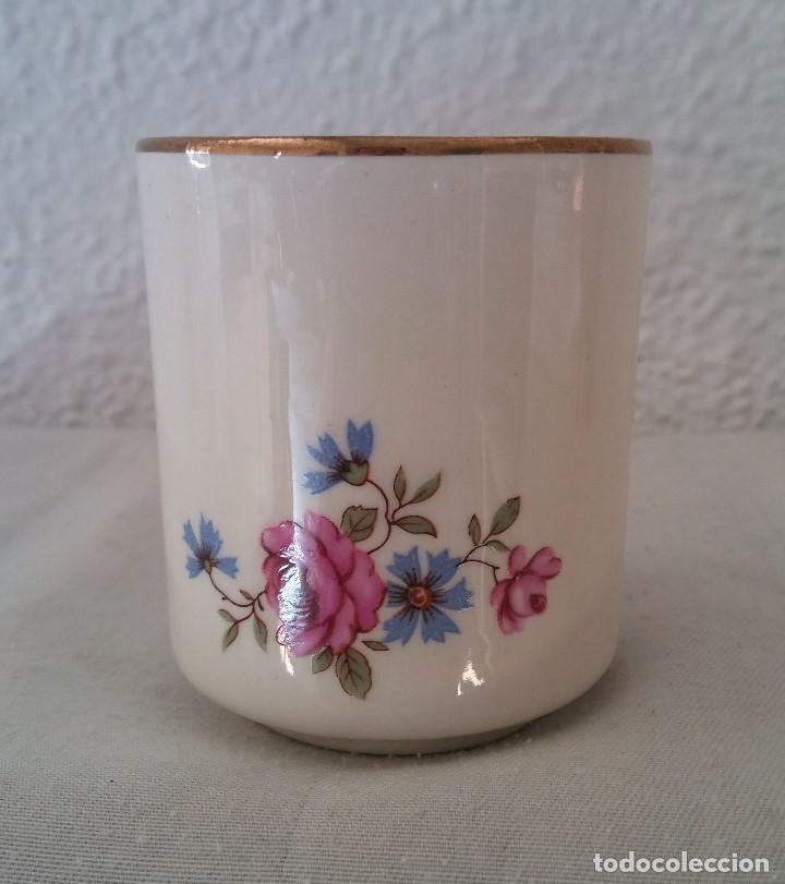 Antigüedades: Taza porcelana obsequio del Banco Español de Credito Banesto - Foto 3 - 194338053