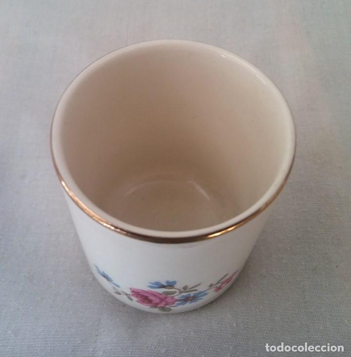 Antigüedades: Taza porcelana obsequio del Banco Español de Credito Banesto - Foto 4 - 194338053