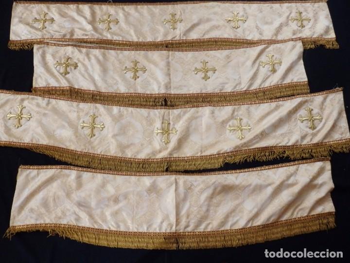 Antigüedades: Bambalinas para palio o frente de altar, confeccionadas en seda bordada con hilo de oro. Hacia 1900. - Foto 3 - 194347222