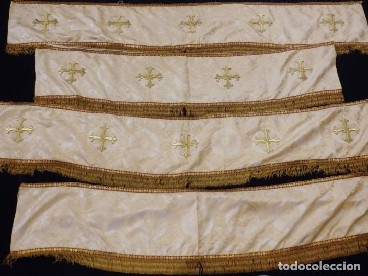 Antigüedades: Bambalinas para palio o frente de altar, confeccionadas en seda bordada con hilo de oro. Hacia 1900. - Foto 4 - 194347222