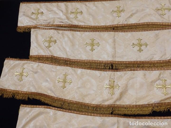 Antigüedades: Bambalinas para palio o frente de altar, confeccionadas en seda bordada con hilo de oro. Hacia 1900. - Foto 5 - 194347222