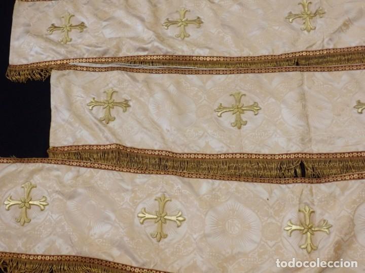 Antigüedades: Bambalinas para palio o frente de altar, confeccionadas en seda bordada con hilo de oro. Hacia 1900. - Foto 6 - 194347222