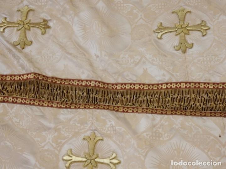 Antigüedades: Bambalinas para palio o frente de altar, confeccionadas en seda bordada con hilo de oro. Hacia 1900. - Foto 7 - 194347222
