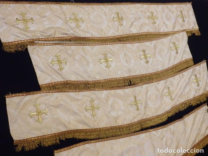 Antigüedades: Bambalinas para palio o frente de altar, confeccionadas en seda bordada con hilo de oro. Hacia 1900. - Foto 10 - 194347222