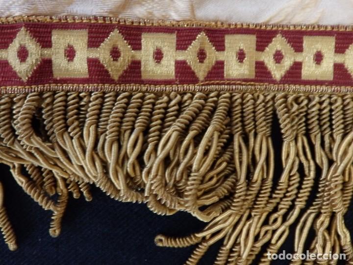 Antigüedades: Bambalinas para palio o frente de altar, confeccionadas en seda bordada con hilo de oro. Hacia 1900. - Foto 12 - 194347222
