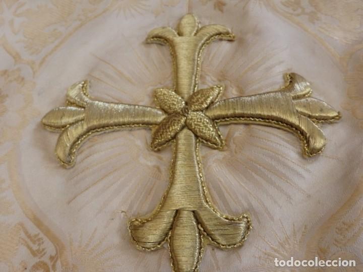 Antigüedades: Bambalinas para palio o frente de altar, confeccionadas en seda bordada con hilo de oro. Hacia 1900. - Foto 14 - 194347222