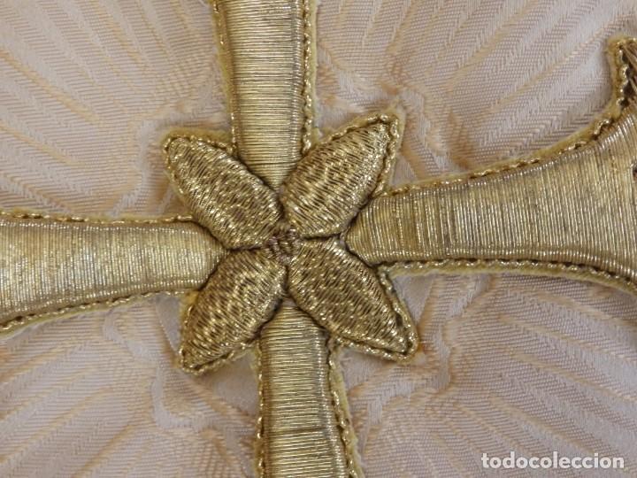 Antigüedades: Bambalinas para palio o frente de altar, confeccionadas en seda bordada con hilo de oro. Hacia 1900. - Foto 16 - 194347222