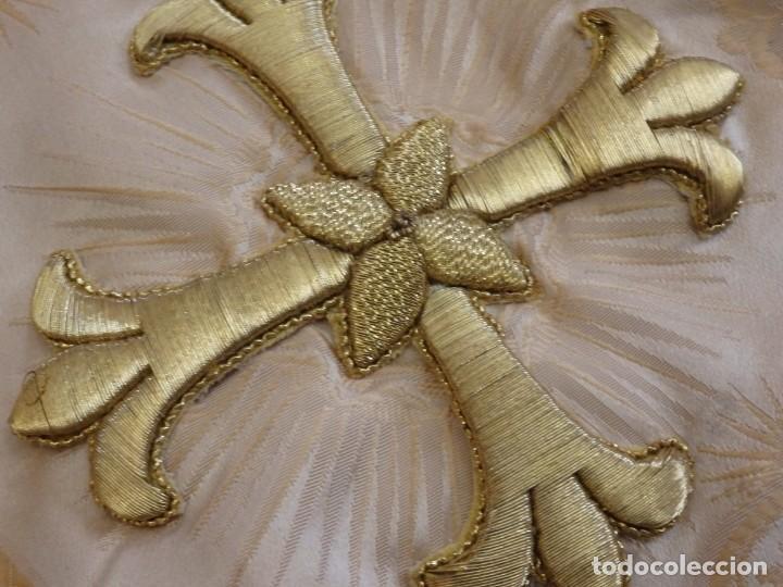 Antigüedades: Bambalinas para palio o frente de altar, confeccionadas en seda bordada con hilo de oro. Hacia 1900. - Foto 17 - 194347222