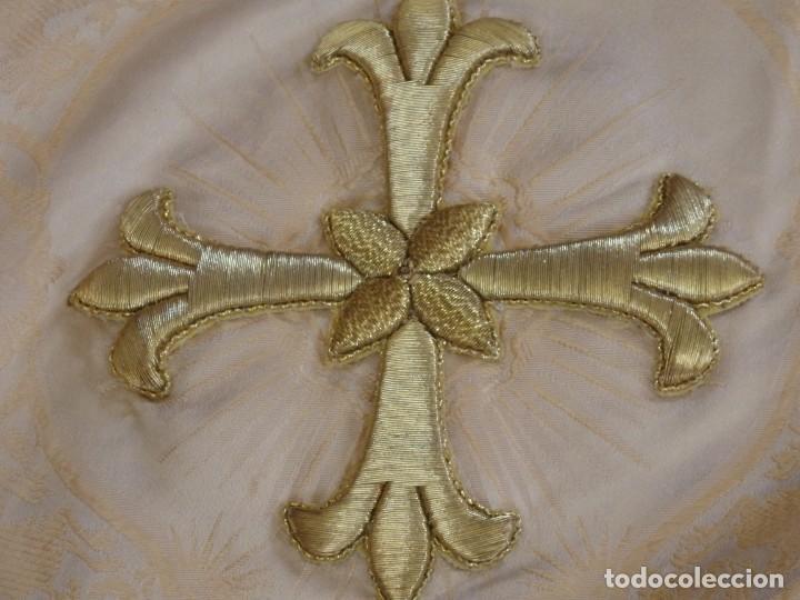 Antigüedades: Bambalinas para palio o frente de altar, confeccionadas en seda bordada con hilo de oro. Hacia 1900. - Foto 18 - 194347222