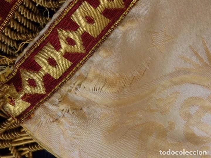 Antigüedades: Bambalinas para palio o frente de altar, confeccionadas en seda bordada con hilo de oro. Hacia 1900. - Foto 20 - 194347222
