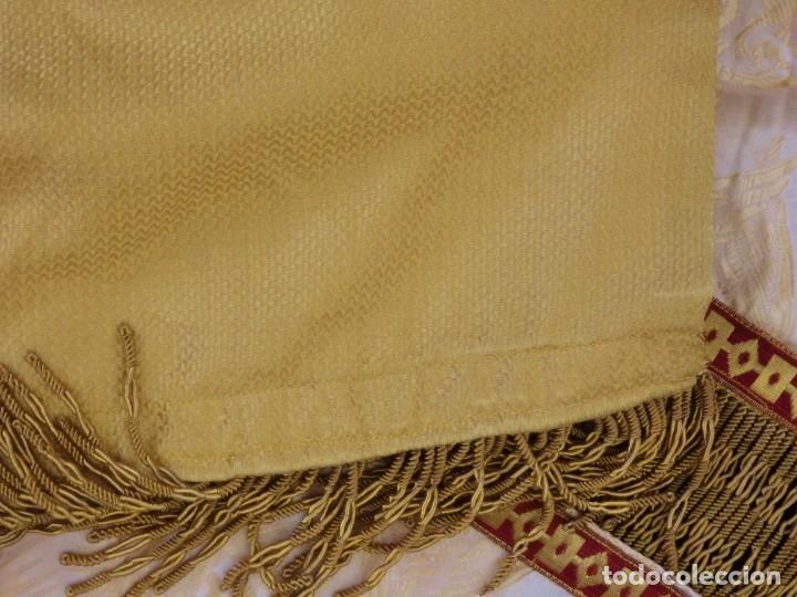 Antigüedades: Bambalinas para palio o frente de altar, confeccionadas en seda bordada con hilo de oro. Hacia 1900. - Foto 22 - 194347222