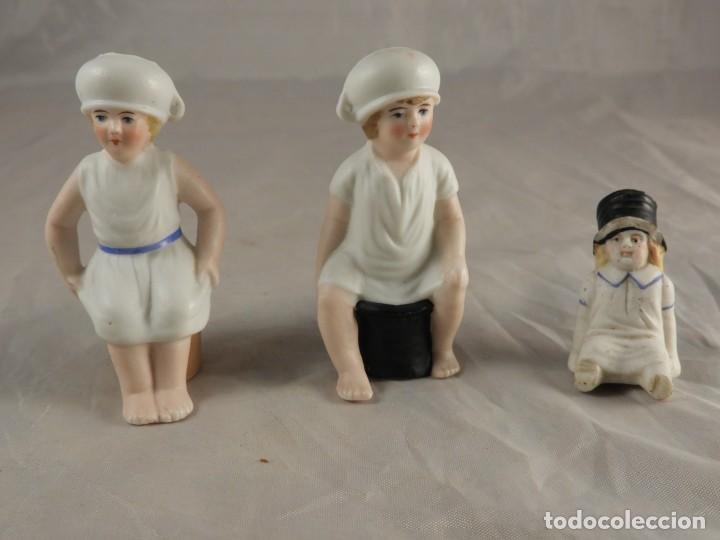 Antigüedades: GRACIOSA PAREJA DE BISCUITS O PORCELANAS COLOREASAS MUY FINAS - Foto 12 - 194348981