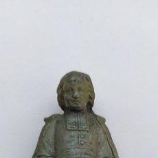 Antigüedades: FIGURA EN METAL DE SAN BAUTISTA DE LA SALLE 8CM ALTURA. Lote 194353635