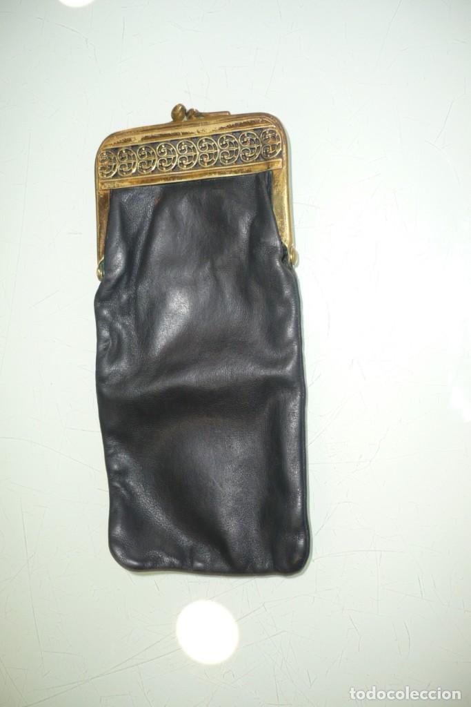 ANTIGUA FUNDA DE GAFAS CON CIERRE METÁLICO (Antigüedades - Moda y Complementos - Mujer)