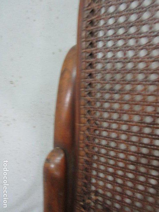 Antigüedades: Bonita Pareja de Mecedoras Thonet - Sillones en Madera de Haya - Rejilla - Principios S. XX - Foto 12 - 194360401