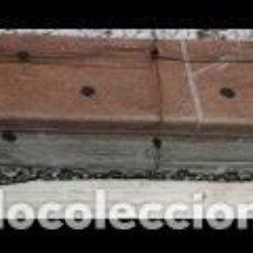 Antigüedades: MANTILLA FINA DE ENCAJE NEGRO, TIPO VELO. Lote 194379771